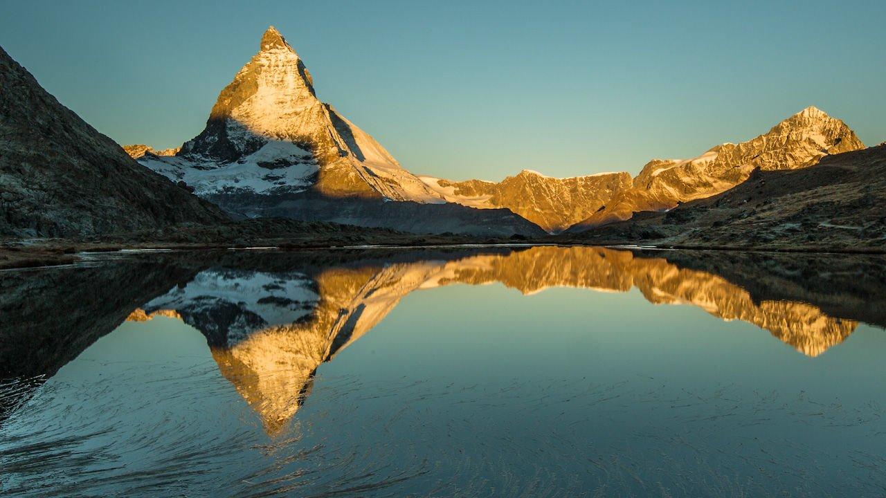 The Peak, bonito time lapse del Matterhorn