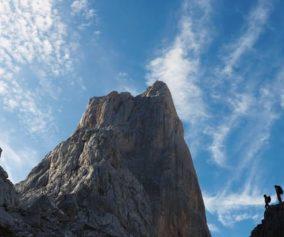 """Video, Alex Huber y Fabian Buhl escalan en libre """"Sueños de Invierno"""" (540m, 8a) en el Picu Urriellu"""